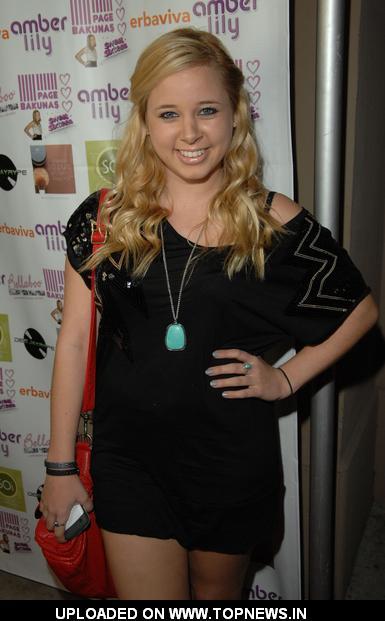 Lindsey Brooke