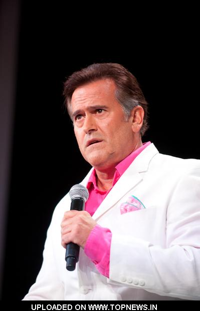 "Bruce Campbell at Comic-Con International: San Diego 2011 - Day 1 - ""Burn Notice: The Fall of Sam Axe"" Panel"