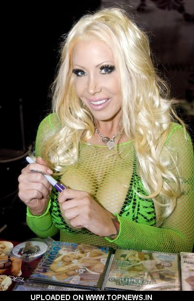 Candy Manson Nude Photos 59