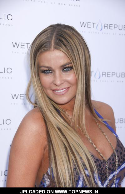 Carmen Electra  at Celebrates Her 37th Birthday  Wet Republic in Las Vegas on April 26, 2009