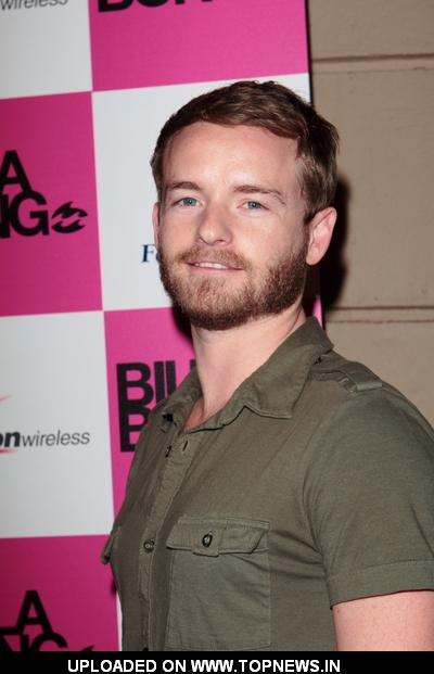 Christopher Masterson - Images Gallery
