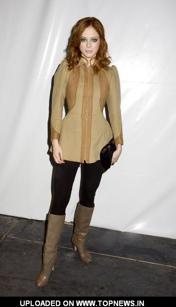 Jake T Austin Shirtless Images STARLITNEWScom Selena Gomez RARE Personal