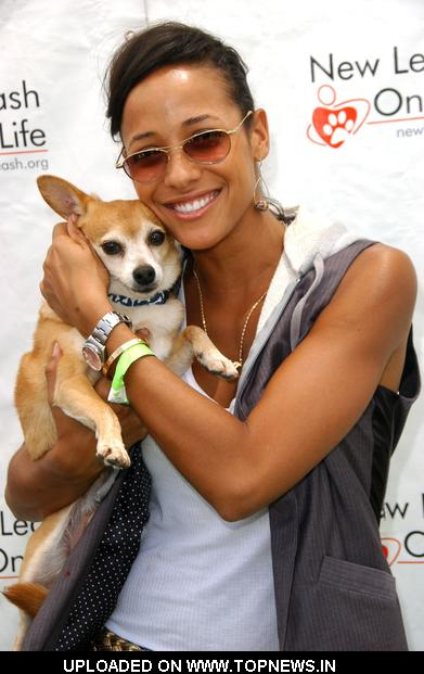 Dania Ramirez  at 8th Annual Nuts For Mutts Dog Show & Pet Fair - Arrivals