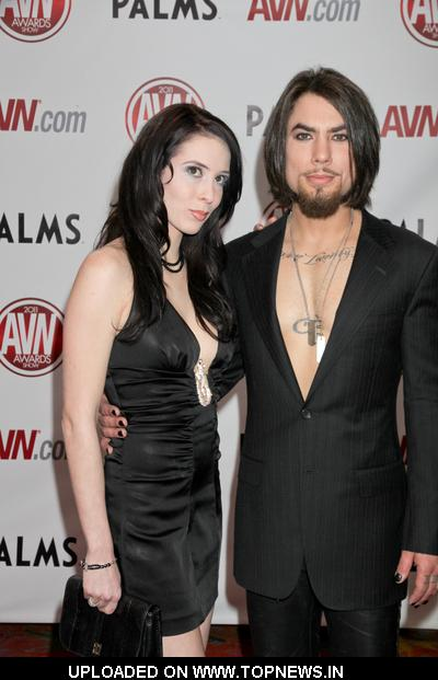 Dave Navarro and Aiden Ashley at 2011 AVN Awards Show - Arrivals