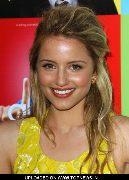 Her name is Dianna Agron She was the head cheerleader,