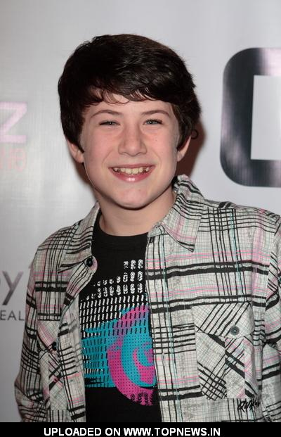 Dylan Minnette - Images Gallery