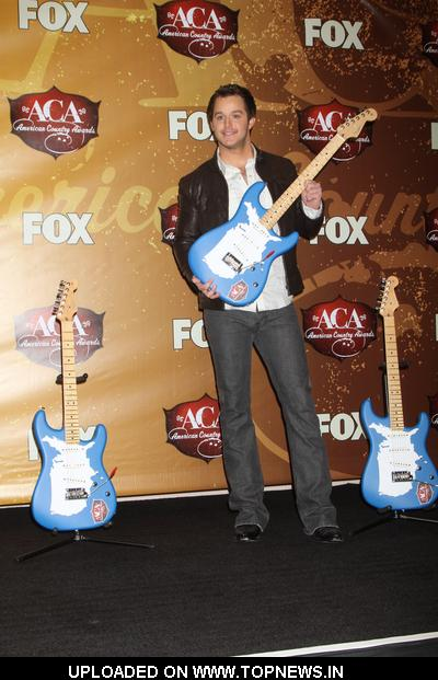 Easton Corbin at 2010 American Country Awards - Press Room