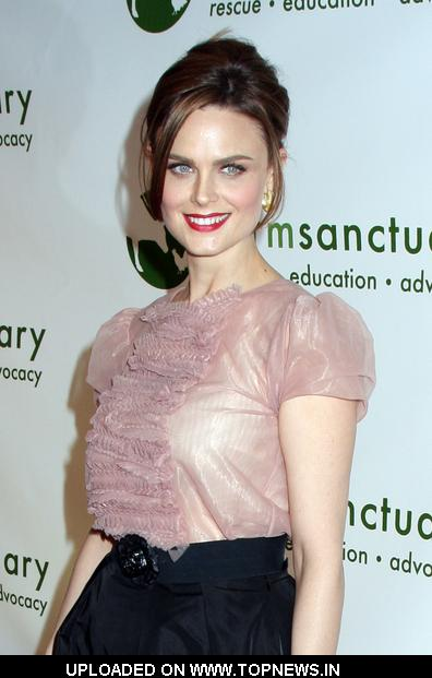 Emily Deschanel at Farm Sanctuary 2008 Gala - Arrivals