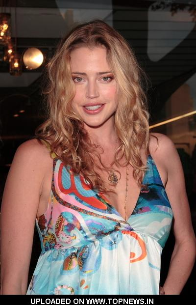 Estella Warren 2009
