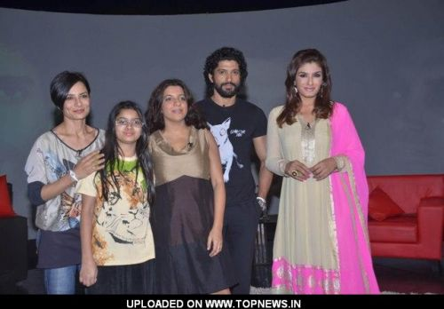 Zoya Akhtar and Farhan Akhtar on NDTV Chat Show Issi Ka Naam Zindagi with show host Raveena Tandon at Yashraj Studios in Mumbai