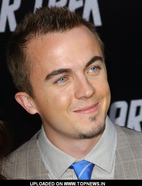 frankie muniz body