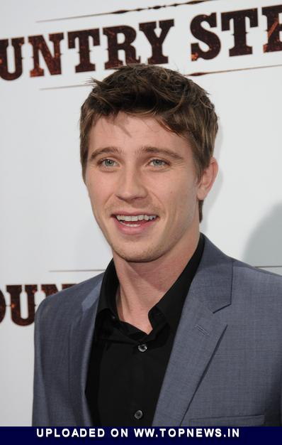 garrett hedlund girlfriend pictures. garrett hedlund girlfriend.