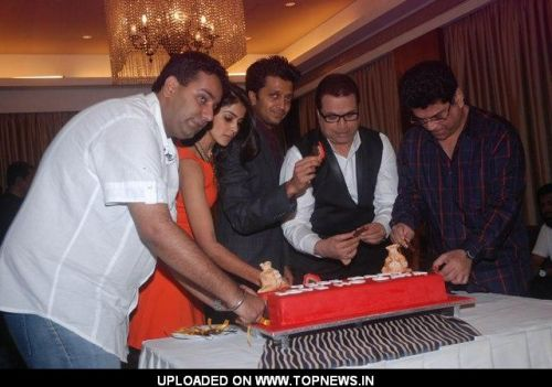 Genelia D'Souza, Ritesh Deshmukh, Kumar Taurani and Ramesh Taurani at Tere Naal Love Ho Gaya success bash at Sun N Sand
