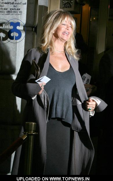 "Goldie Hawn at  ""Exit the King"" Broadway Opening Night - Arrivals"