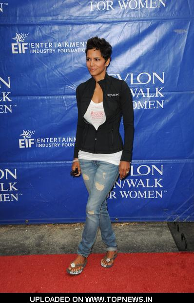 Halle Berry at 18th Annual EIF Revlon Run/Walk For Women - Arrivals