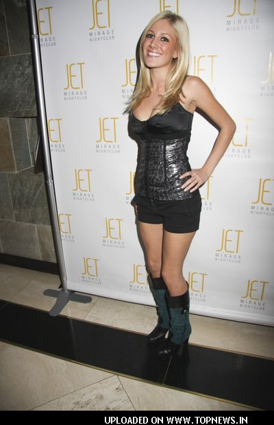 actress Heidi Montag/tollywood/wallpaper/photos/ videos/online/net/images/kissing/&