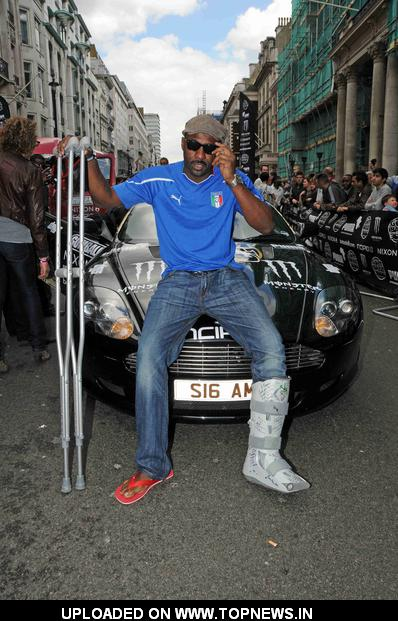 idris elba at gumball 3000 rally start at pall mall in london