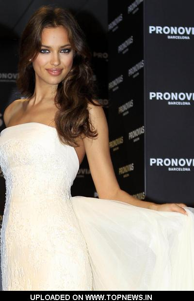 Irina Shayk Present New Pronovias Bridal Collection 2012