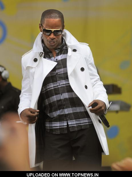 Jamie Foxx  at Performs on Good Morning America Summer Concert Series - June 19, 2009