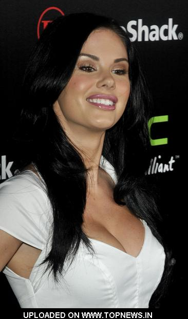 Jayde Nicole at RadioShack's HTC EVO 3D Launch Party - Arrivals
