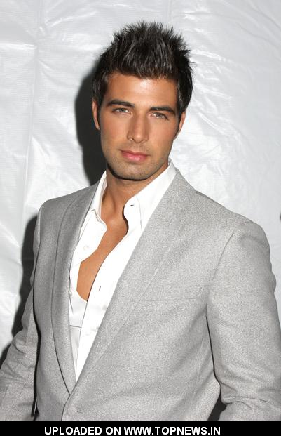 http://www.topnews.in/files/images/Jencarlos-Canela.jpg