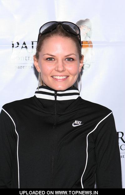 "Jennifer Morrison at Padres Contra El Cancer's ""Parents Against Cancer 5K Run/Walk"" - Arrivals"