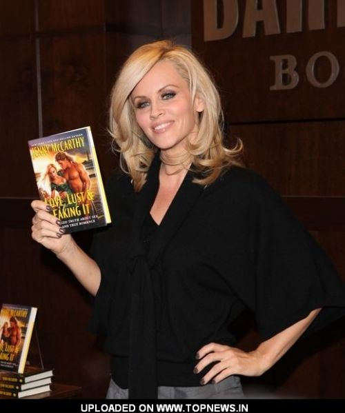 "Jenny McCarthy ""Love,Lust & Faking It:The Naked Truth About Sex,Lies ...: http://topnews.in/jenny-mccarthy-lovelust-faking-itthe-naked-truth-about-sexliesand-true-romance-book-signing-los-ang-1"