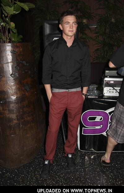 Jesse McCartney Signs CDs at Koi Restaurant in Las Vegas on May 15, 2008