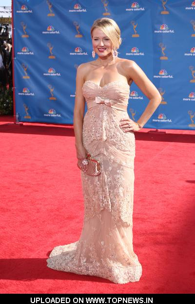 Jewel at 2010 Primetime Emmy Awards - Arrivals
