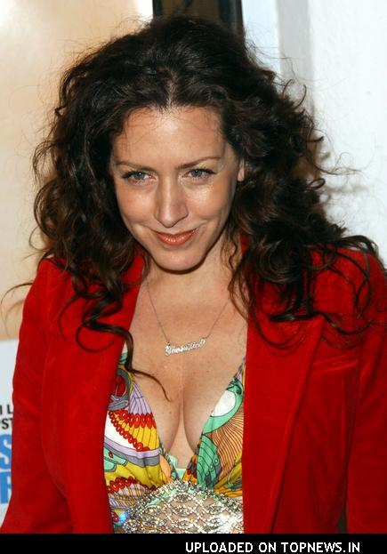 http://www.topnews.in/files/images/Joely-Fisher2.jpg