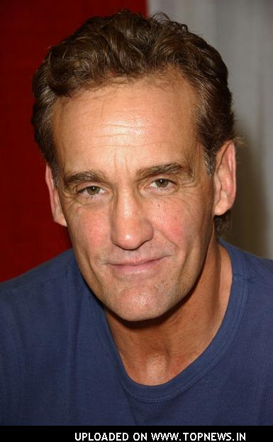 John Wesley Shipp at Wizard World Los Angeles Day One | TopNews