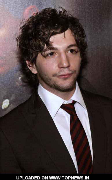 john magaro the good wife