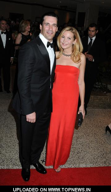Jon Hamm  at  2009 White House Correspondent Dinner-Red Carpet - Arrivals