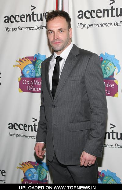 "Jonny Lee Miller at ""Only Make Believe"" 10th Anniversary Gala - Arrivals"