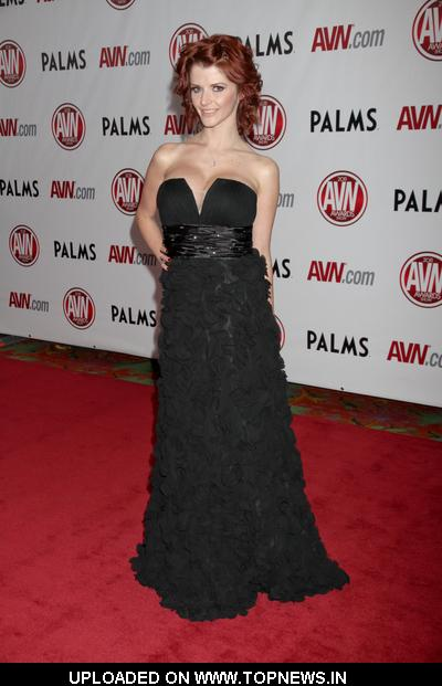 Joslyn James at 2011 AVN Awards Show - Arrivals