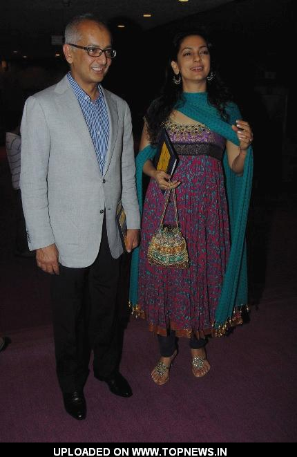 Juhi Chawla at Premiere of English Play- A Disappearing Number | TopNews