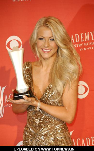 Julianne Hough at 44th Annual Academy of Country Music Awards - Press Room