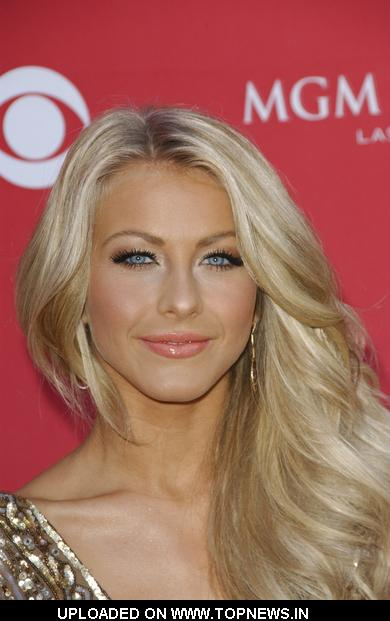 Julianne Hough at 44th Annual Academy of Country Music Awards - Arrivals