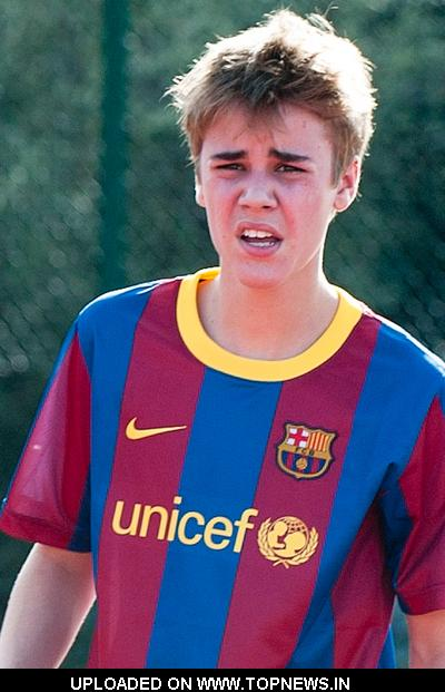 justin bieber playing soccer. Justin Bieber Playing Soccer