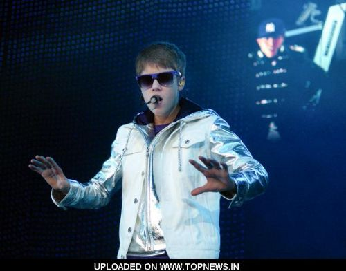 justin bieber concert 2011 uk. Justin Bieber in Concert at