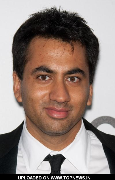 Kal Penn - Wallpaper Colection