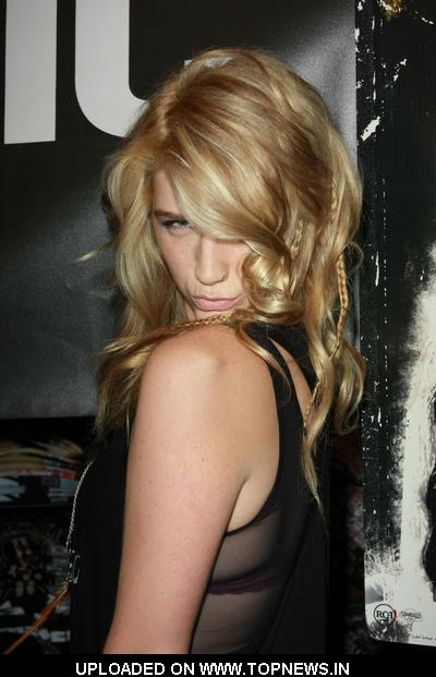 Kesha Animal CD Signing at