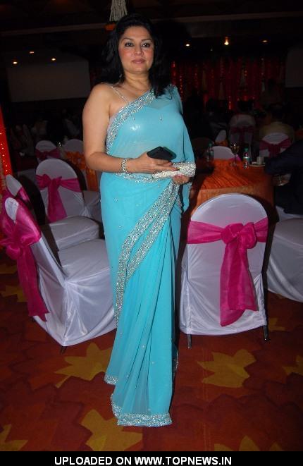 Kiran Juneja at Anup Jalota's Birthday Celebration Party ...