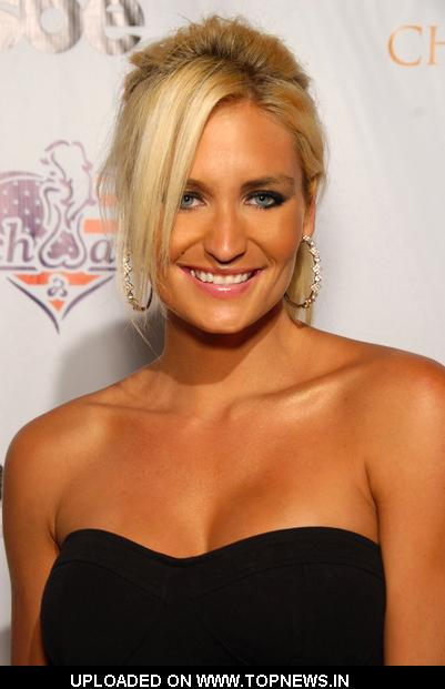 Kristi Ballentine at Benchwarmer Stars and Stripes Celebration Benefiting Children of the Night - Arrivals