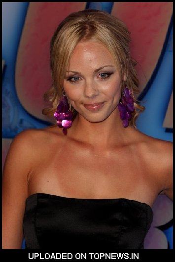 laura vandervoort gallery. Am re deadlamb Vandervoort