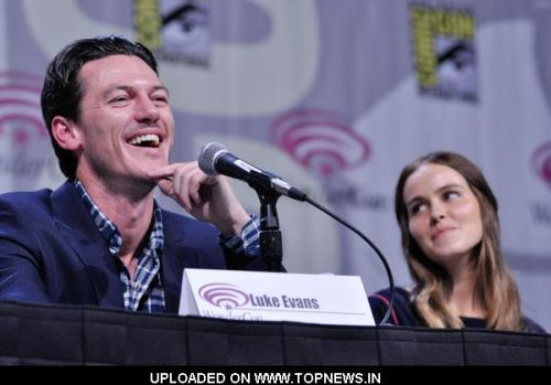 http://www.topnews.in/files/images/Luke-Evans-Isabel-Lucas.preview.jpg