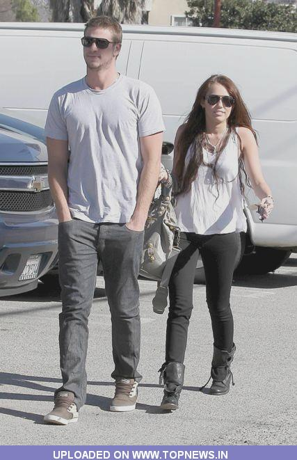 Event : CYRUS AND HEMSWORTH SPLIT MILEY CYRUS is single again after