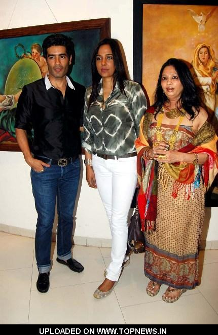 Manish Malhotra, Sunita Menon and Daxa Khandwala at Daxa Khandwala's Painting Exhibition