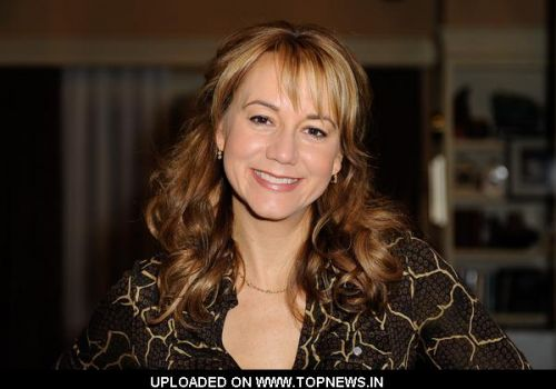 Megyn Price Talks to Celebbuzzz About Must Haves for Thanksgiving