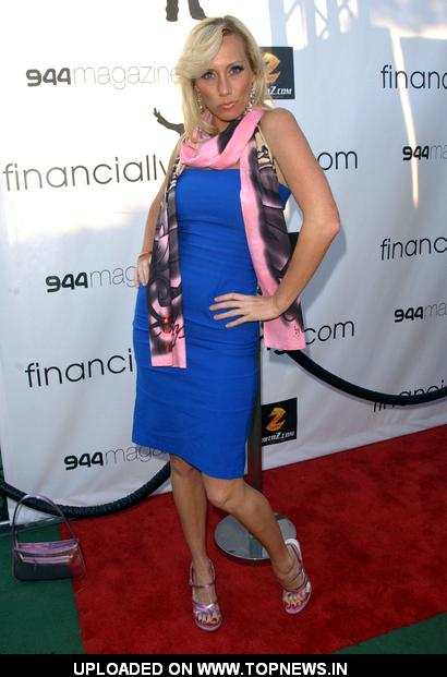 Melissa 'MOJO' Hunter at 2nd Annual Financially Hung Game Date at the Playboy Mansion - Arrivals